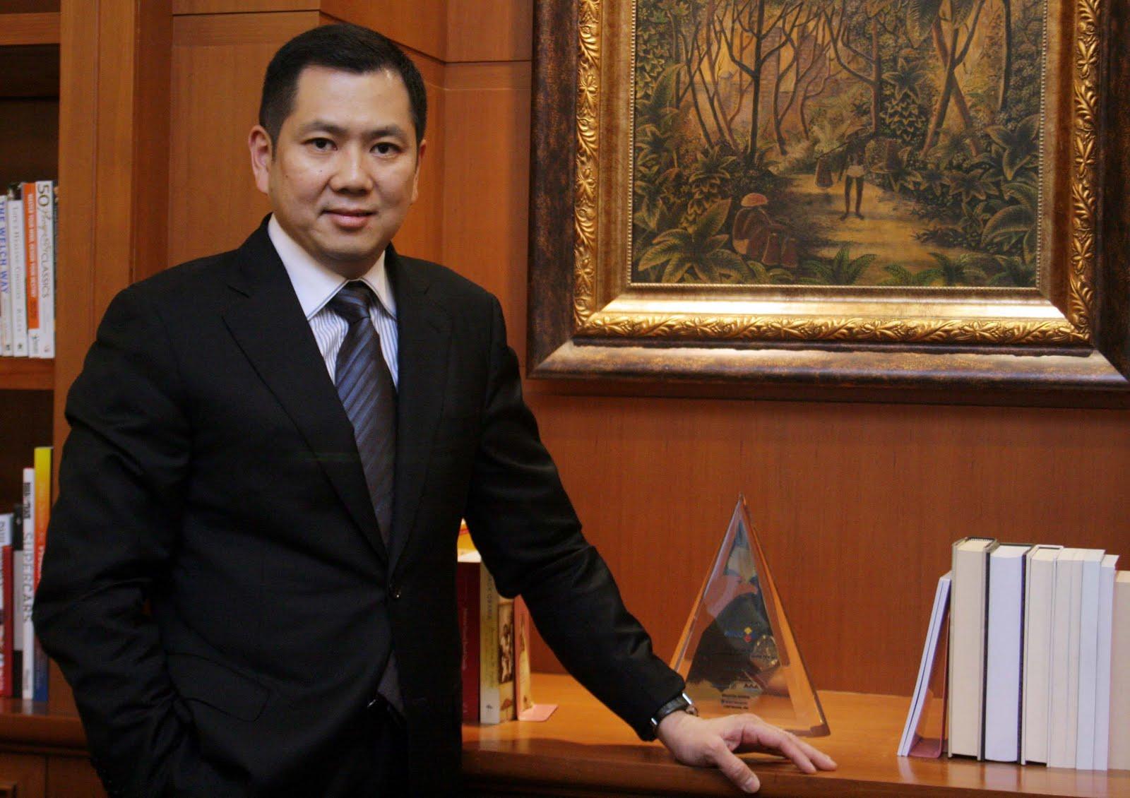 Foto biografi Hary Tanoesoedibjo